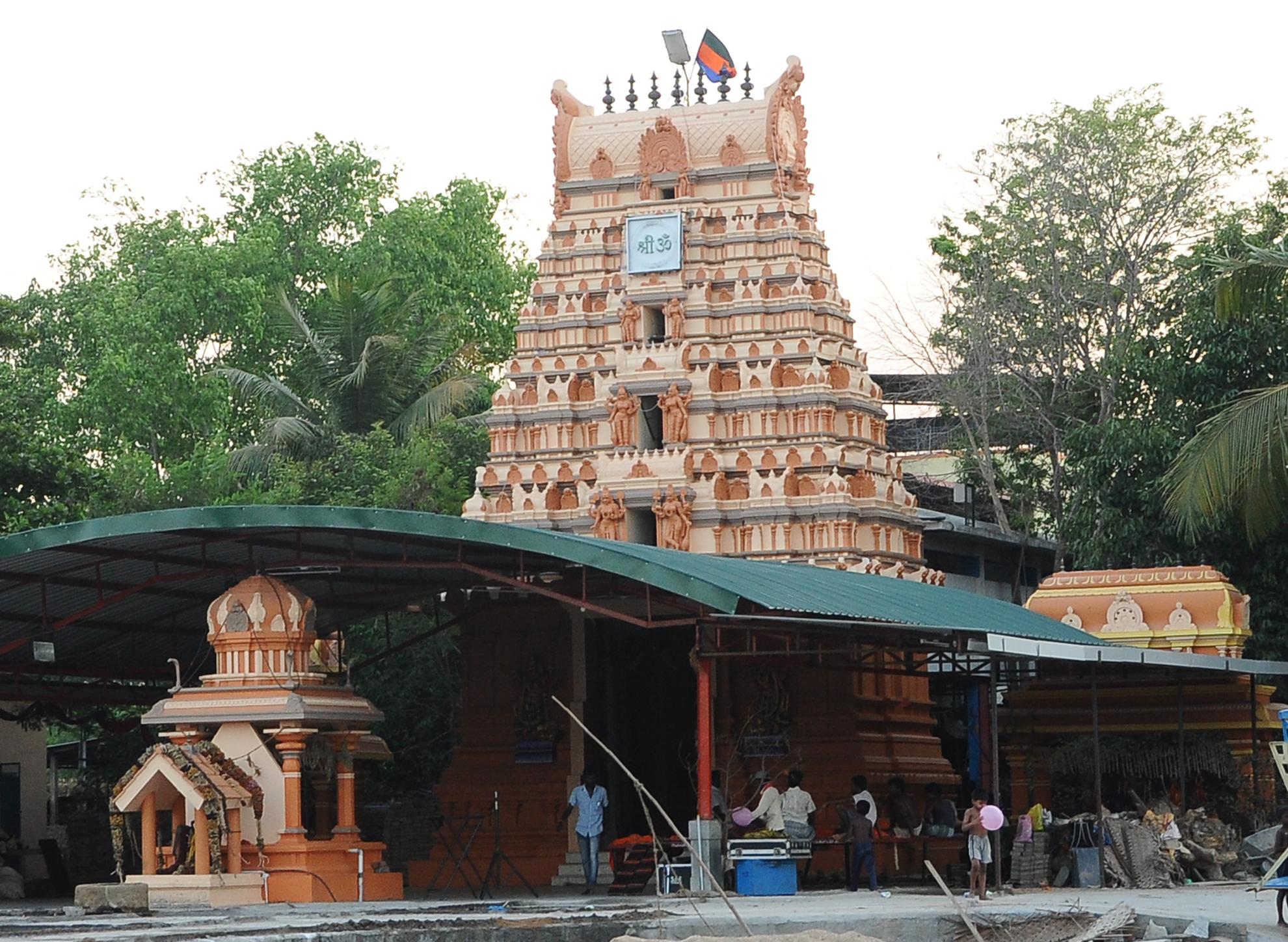 ashram-gopuram